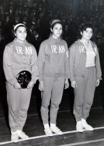 دختران قهرمان ایران در ترکیه، اعظم اسکندر کاپیتان تیم نفر اول از چپ است. آرشیو شخصی اعظم اسکندر با اجازه برای استفاده در برآیندگان